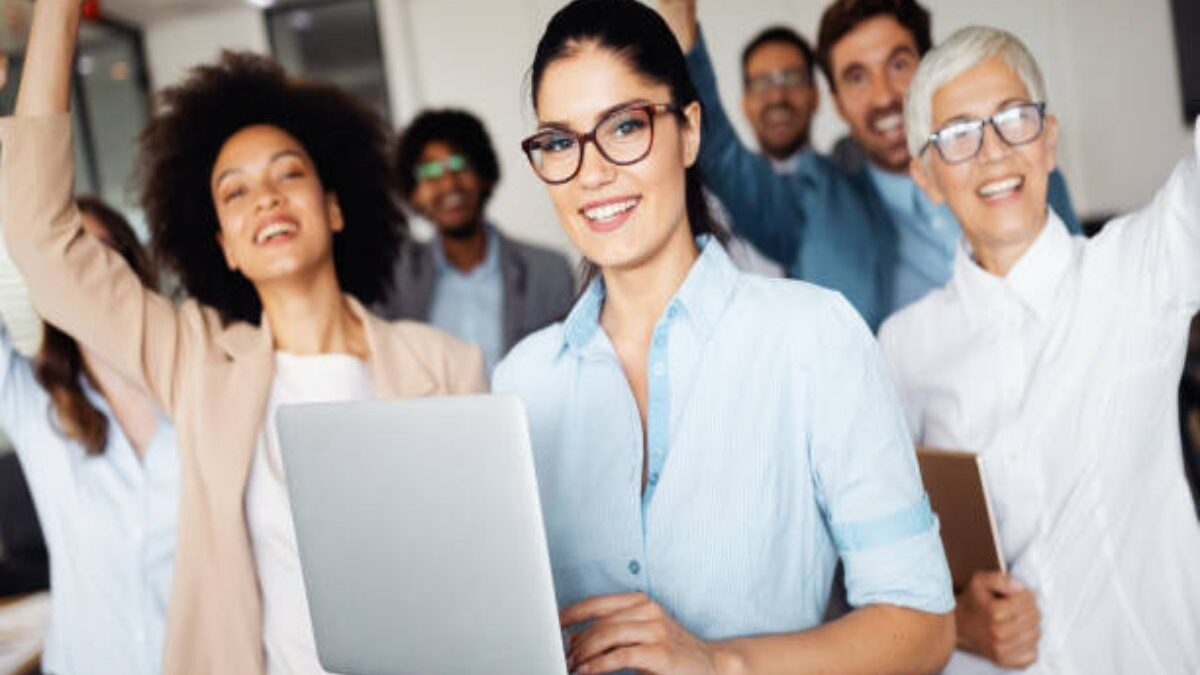 Top 4 Reason To Conduct Employee Recognition Programs