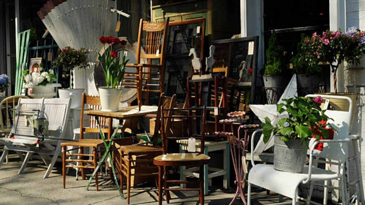 How To Sell, Donate, Or Dispose Of Unwanted Furniture In NYC?