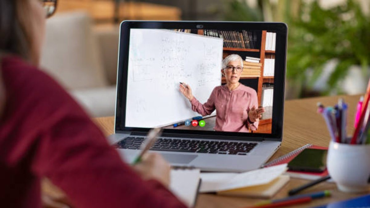 Are Free Online Courses Worth Pursuing?